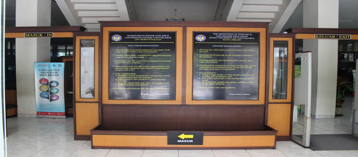 Pintu Utama UPT Perpustakaan UNY