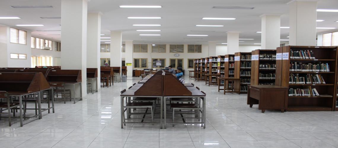 Ruang Baca dan Koleksi Lantai 2